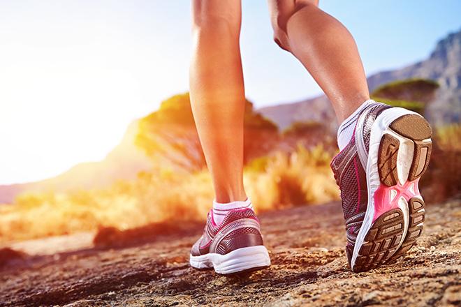 Chůze versus běh. Co přináší lepší výsledky? | WOMAN&STYLE