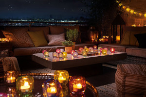 Luxurytable_coloured_delight_01