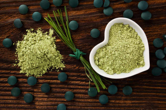 Spirulina chlorella barley and wheatgrass. Green supplement superfood detox.